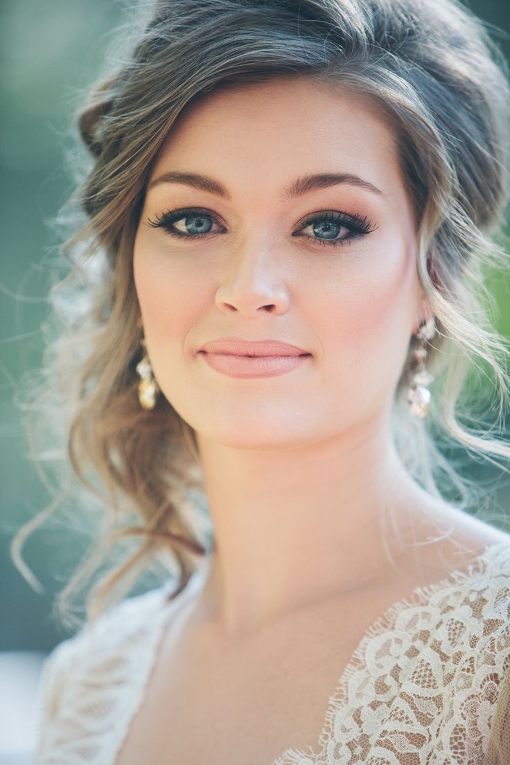 Bridal Natural makeup idea wedding day pictures