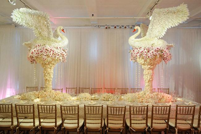 Крутое оформление зала на свадьбу