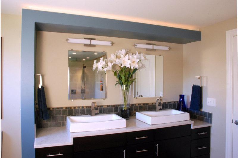 Как сделать правильно освещение в ванной комнате: люстры, настенные светильники, бра над зеркалом