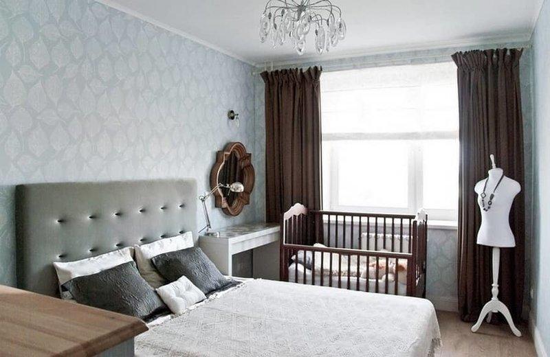 При выборе детской кроватки нужно очень ответственно отнестись к ее удобству и безопасности для малыша.