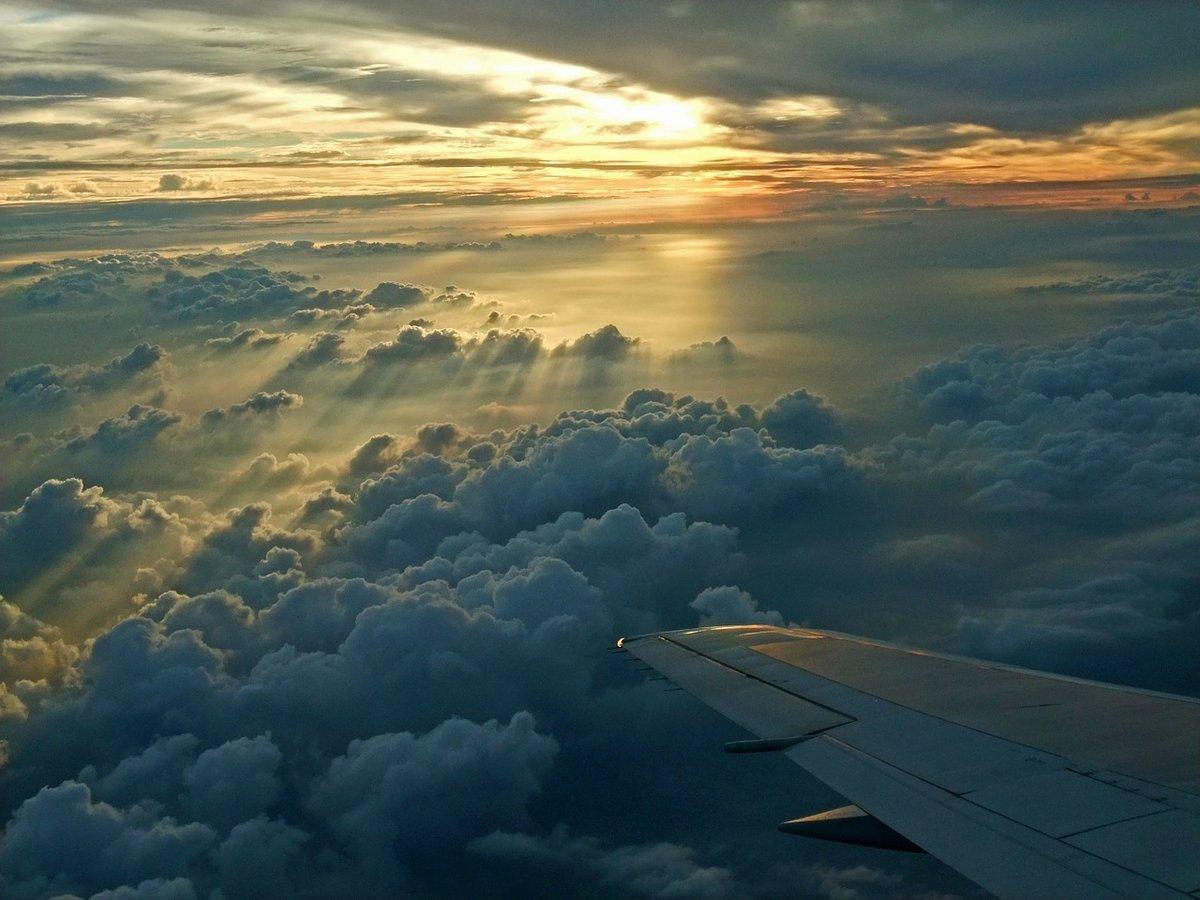 Картинка полет над