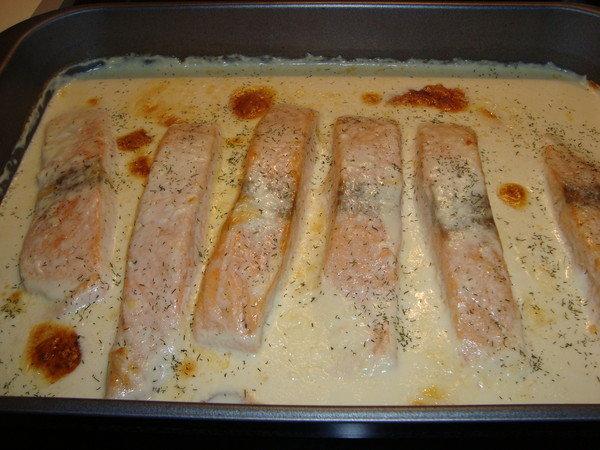 красная рыба в духовке рецепты со сметаной