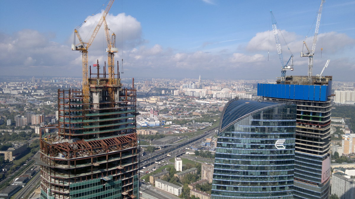 красивая фотографии московских строек крем-брюле