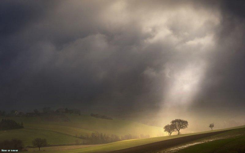 туман и синее небо