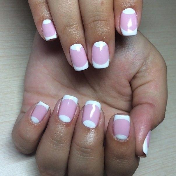 Лунный маникюр с френчем фото розовый