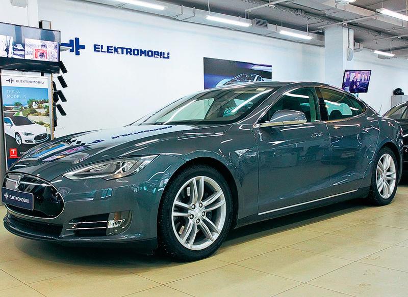 """Обзор электрокаров: Tesla Model S, Smart fortwo eleсtric ..."
