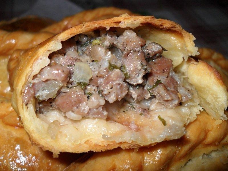 Видео рецепт пирожков с мясом в духовке