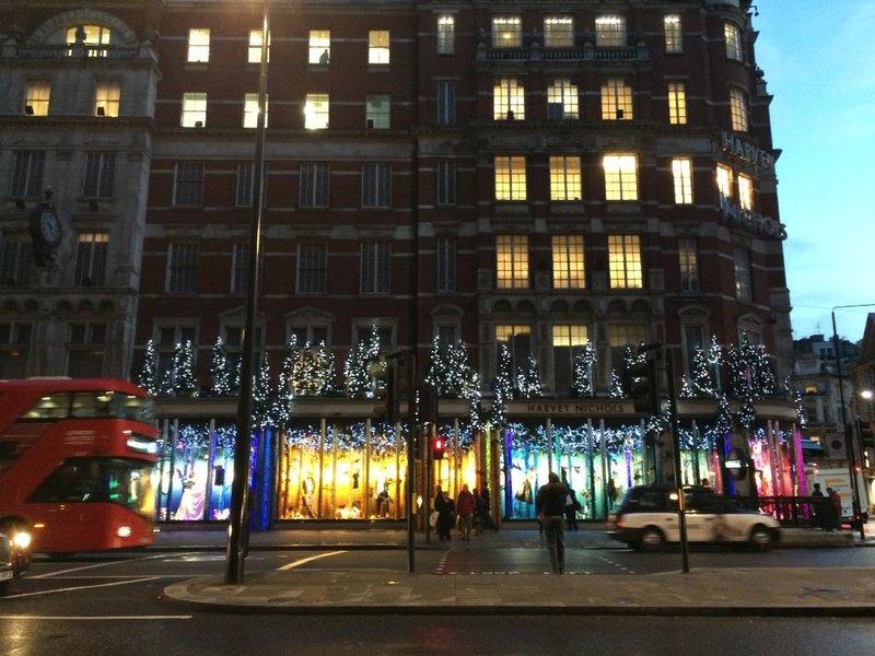 Торговый центр Harvey Nichols, Лондон