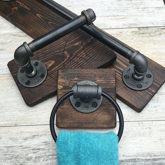Как сделать вешалки для полотенец в ванную комнату своими руками, что бы они были оригинальными и выделялись в общем дизайне. Читайте по ссылке выше