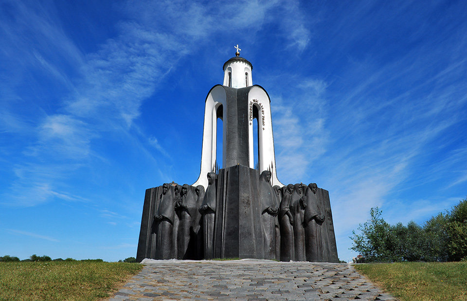 памятники беларуси картинки последнее
