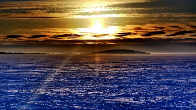 Рассвет в Белом море зимой.