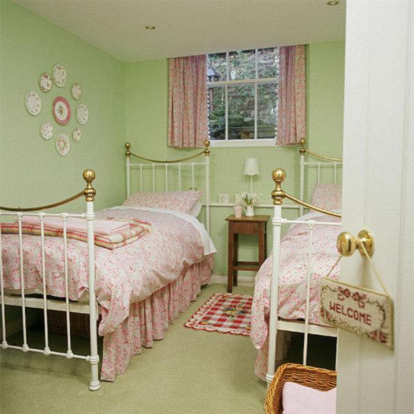 детская спальня в зеленых тонах