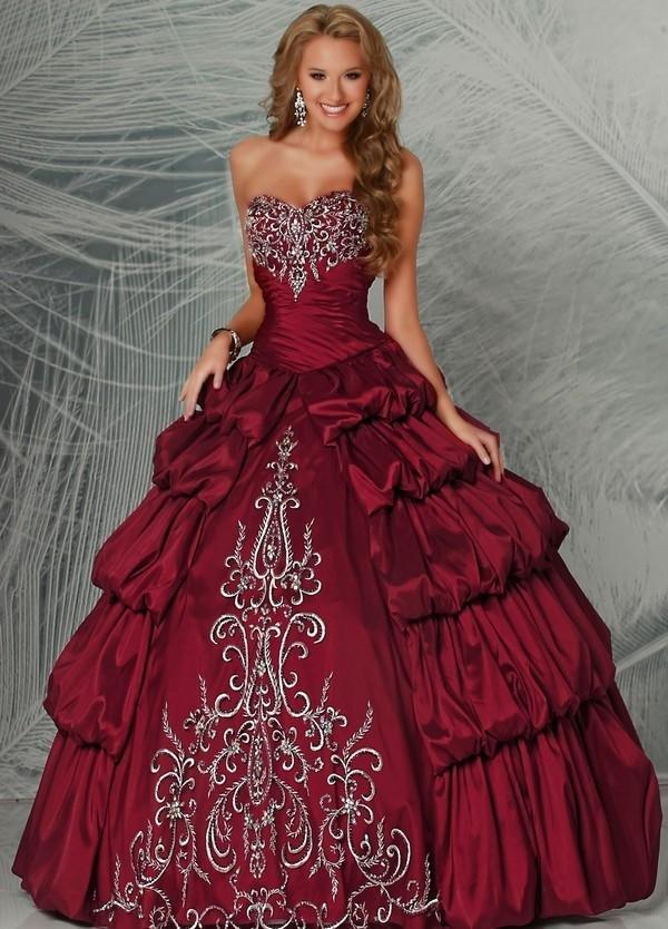 Марта открытки, самое красивое платье картинку