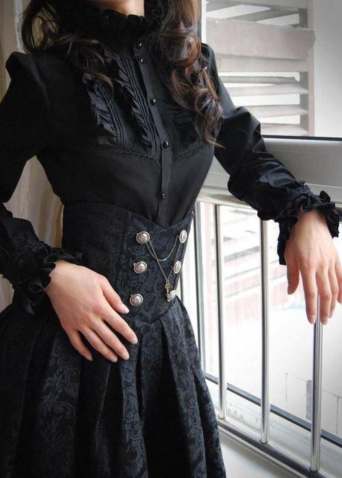 Такое платье в викторианском стиле - моя мечта.
