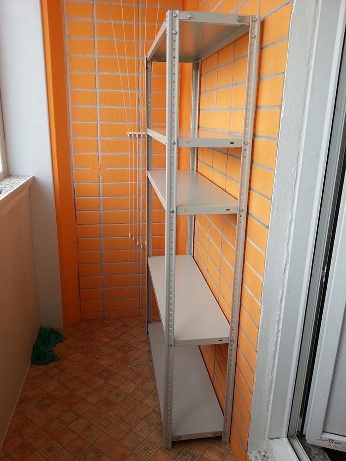 Металлический стеллаж на балкон купить.
