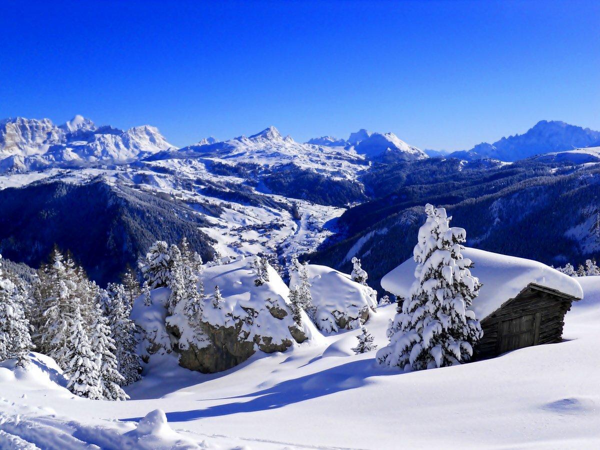 В горах зима картинка