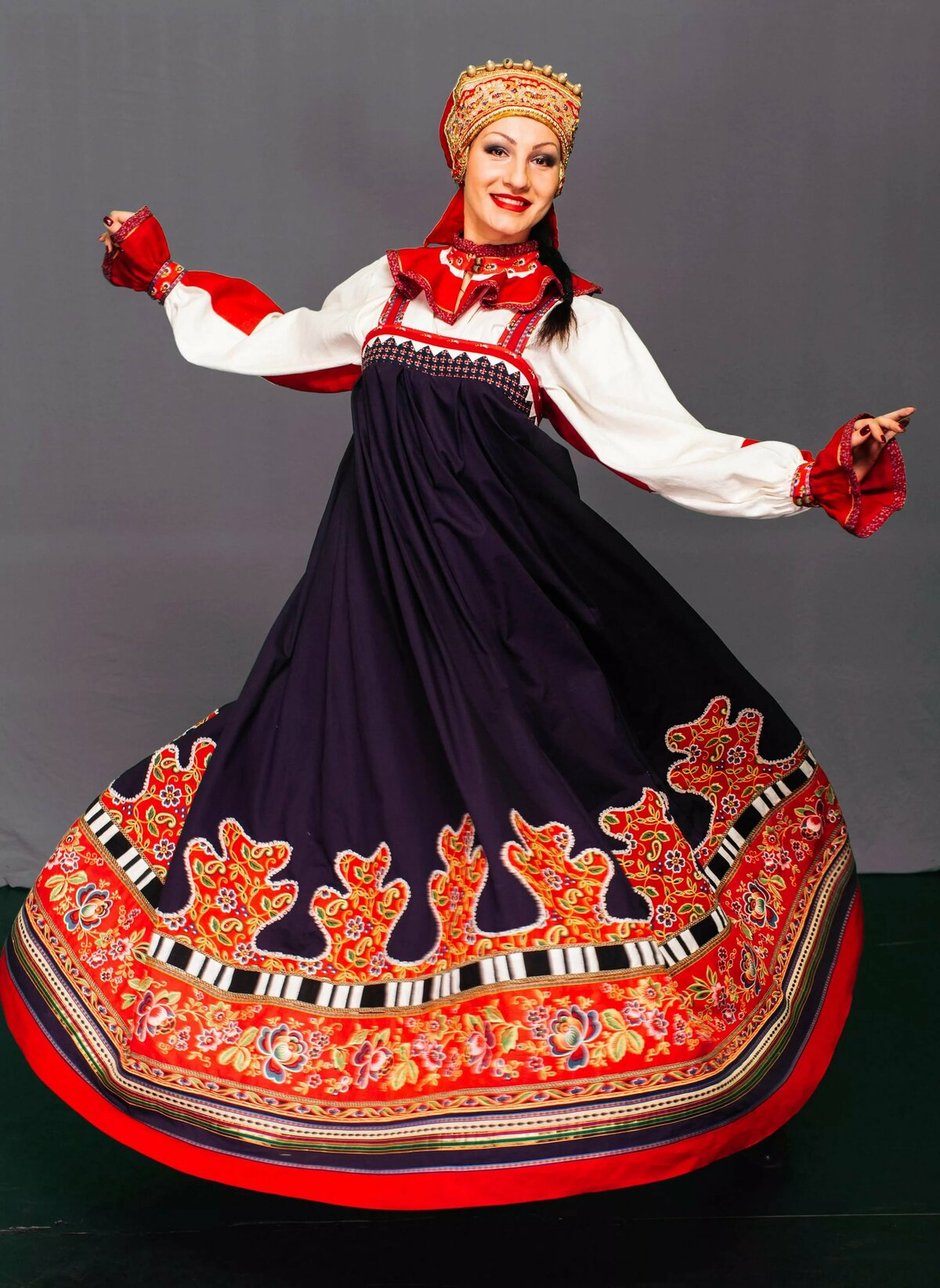 нас национальные костюмы в россии заниматься любимым