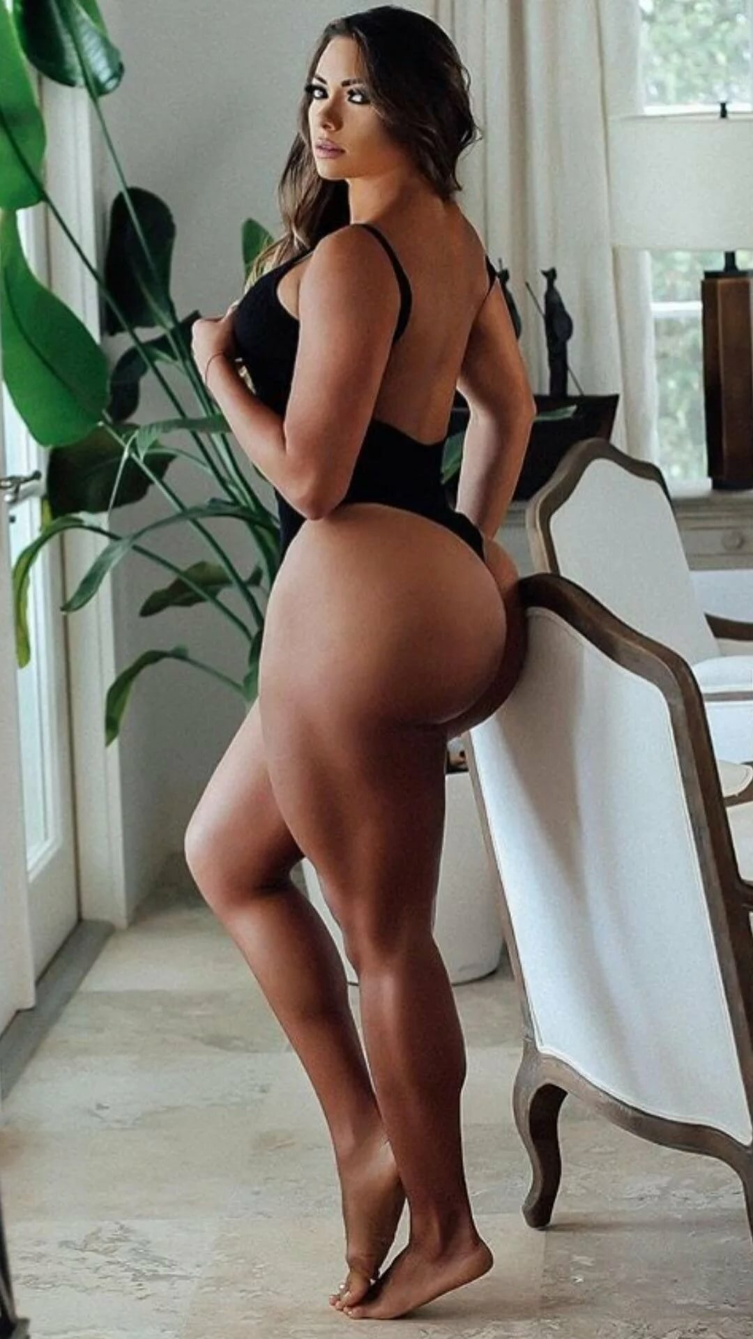 long-hair-thick-ass-the-body-nude
