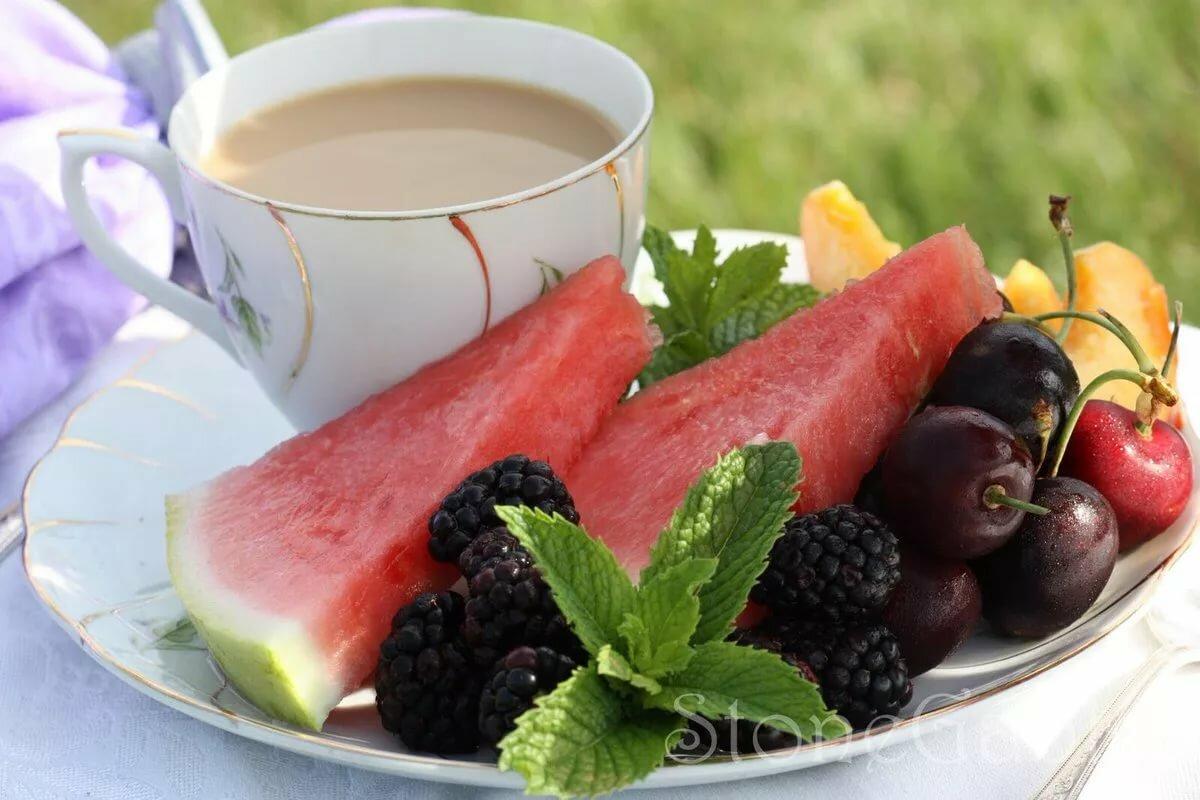 Картинки с добрым утром кофе и фрукты