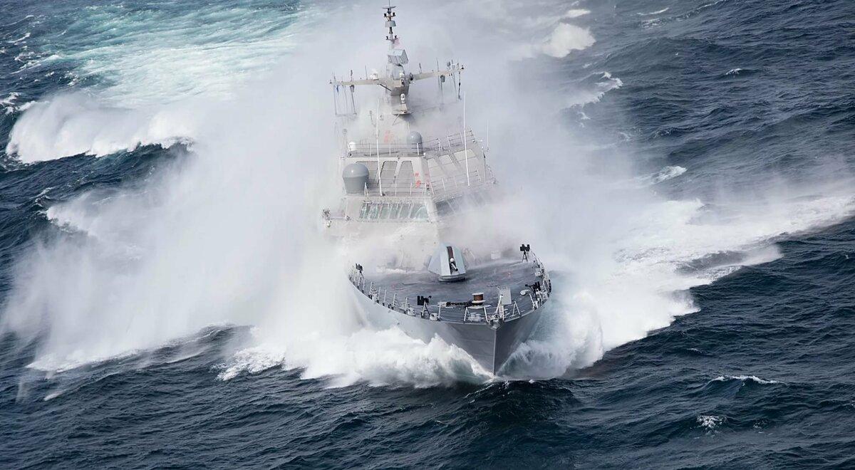 фото море волна корабль удивительное