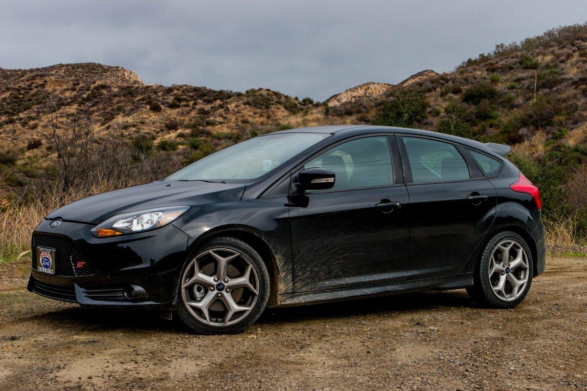 вот, картинка форд фокус хэтчбек черный несколько раз