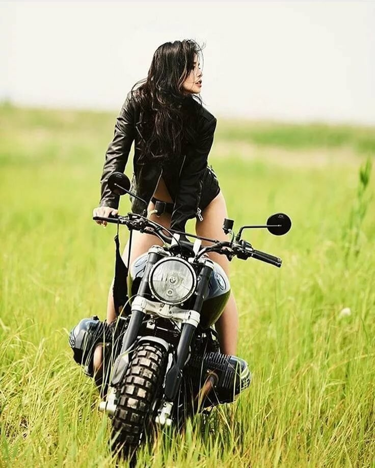 Teen girls on back of motorcycles — photo 5