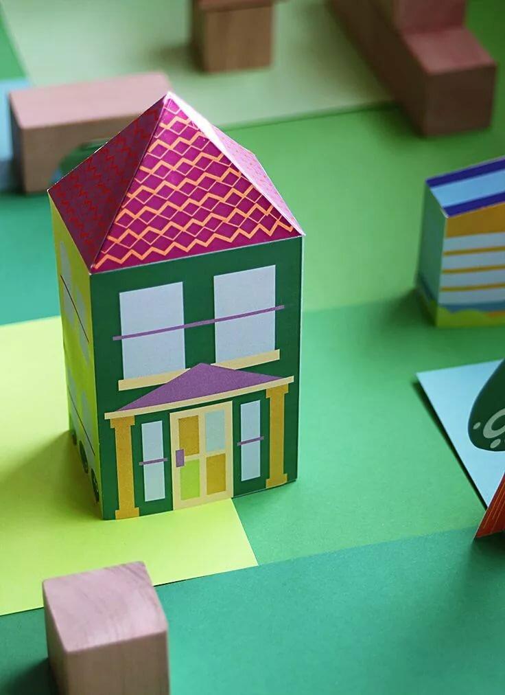 Домик из цветных бумаг фото