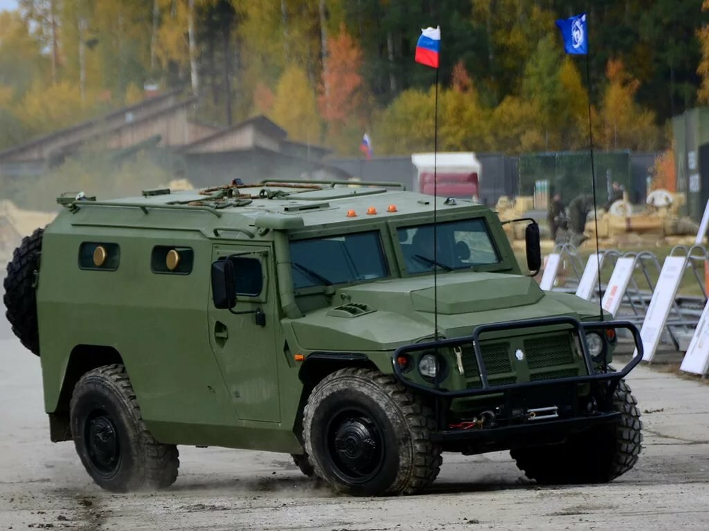 гражданские бронеавтомобили фото школы были