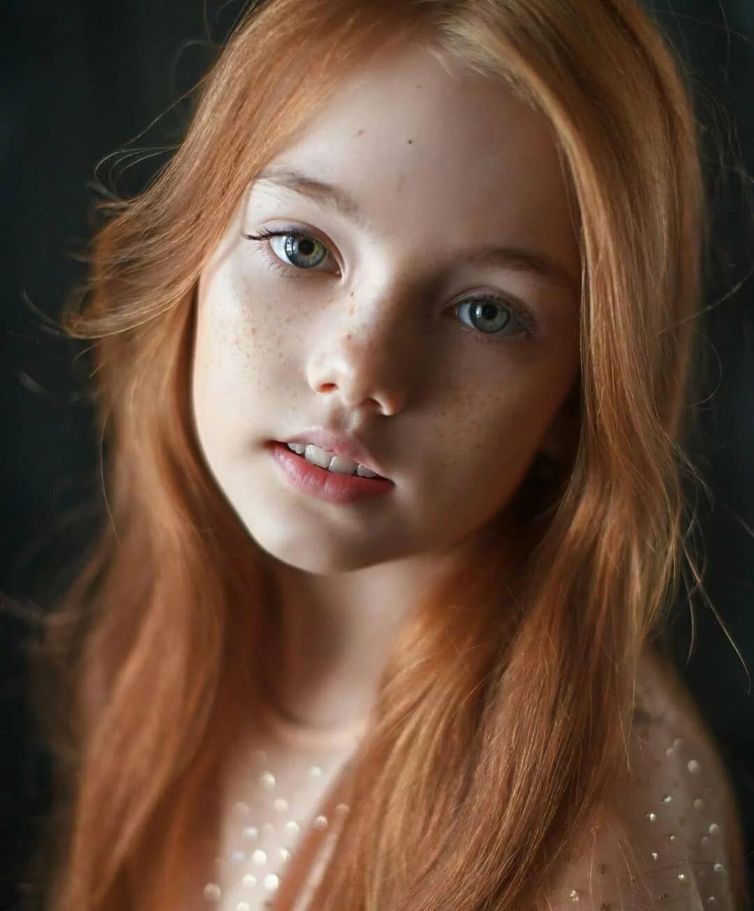 petite-redhead-cuming-blair-naked