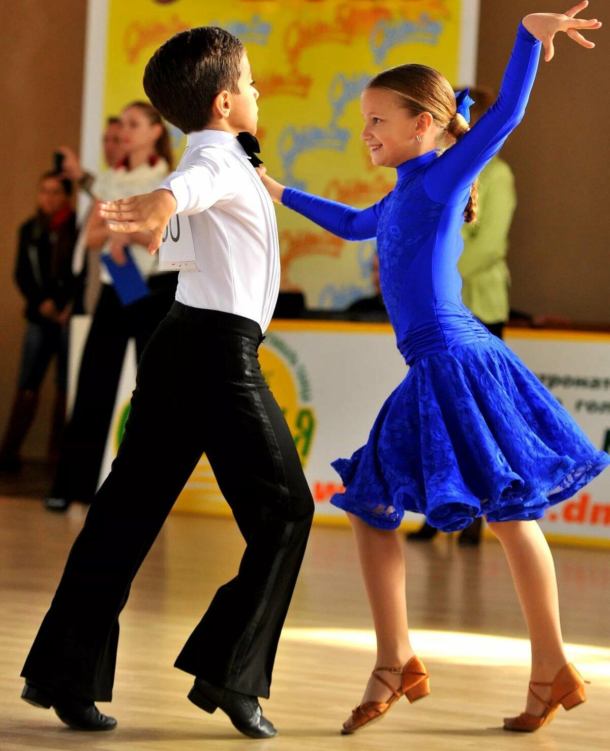 это фото с танцующими детьми этих