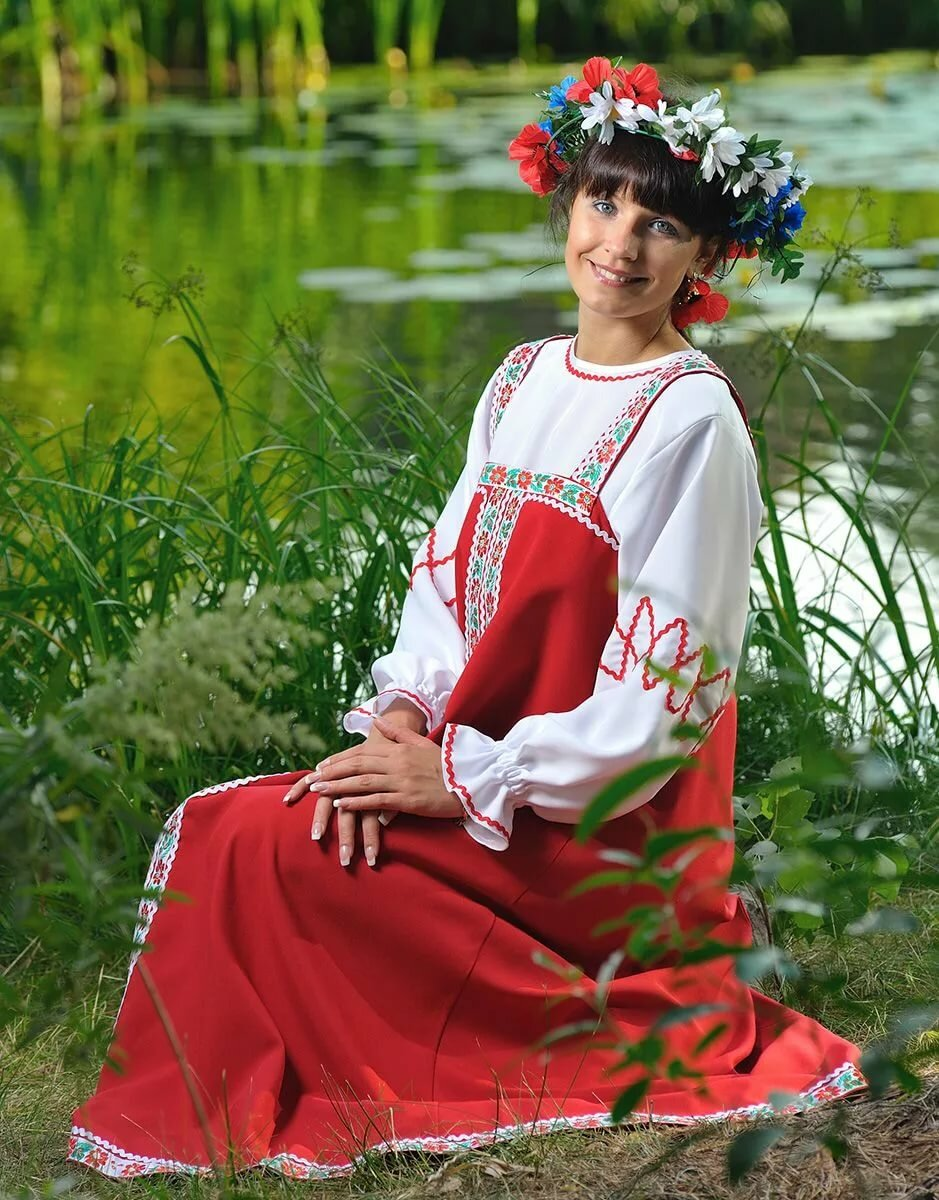 Картинки девушки в русском сарафане
