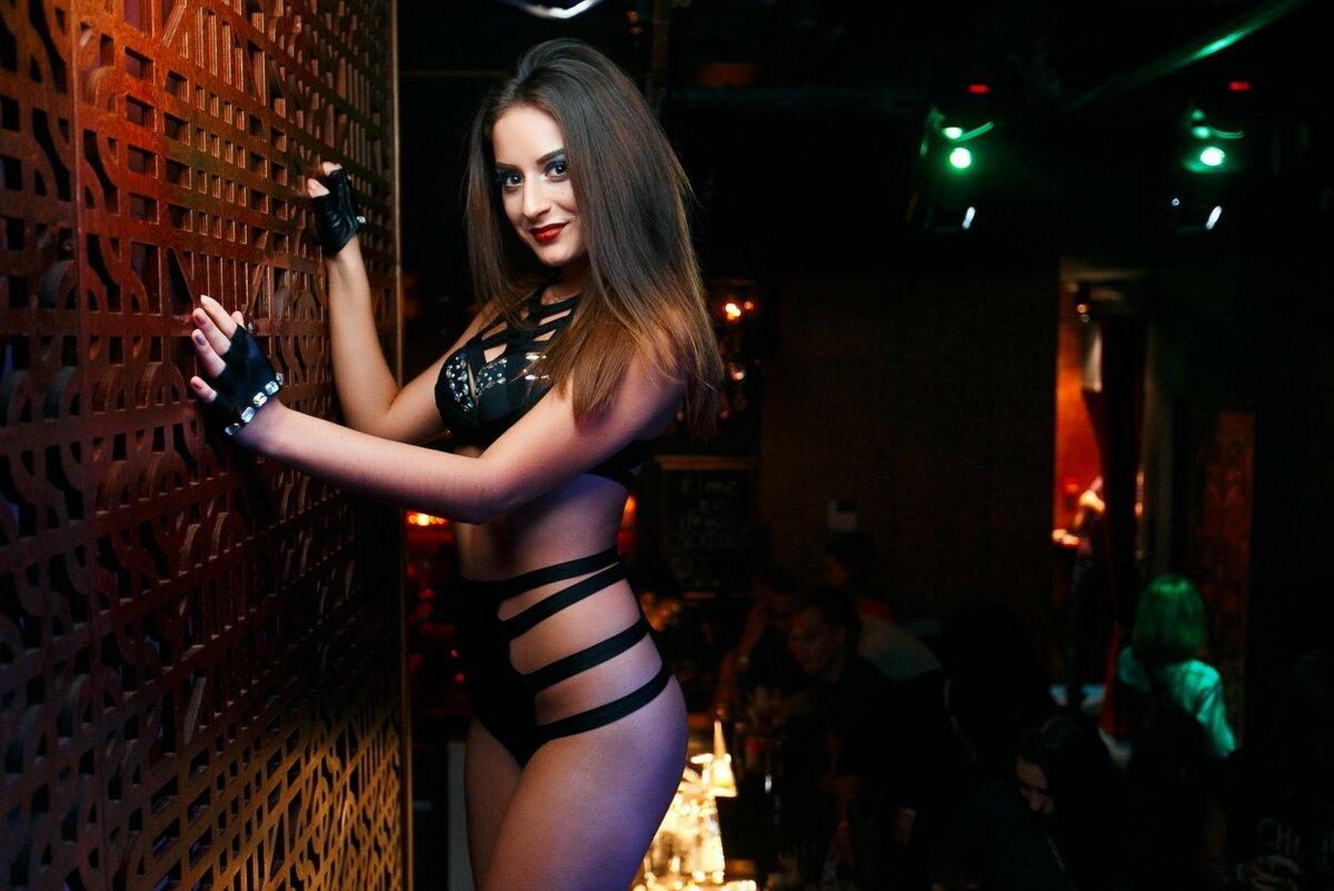 Картинки красивых девушек в клубах