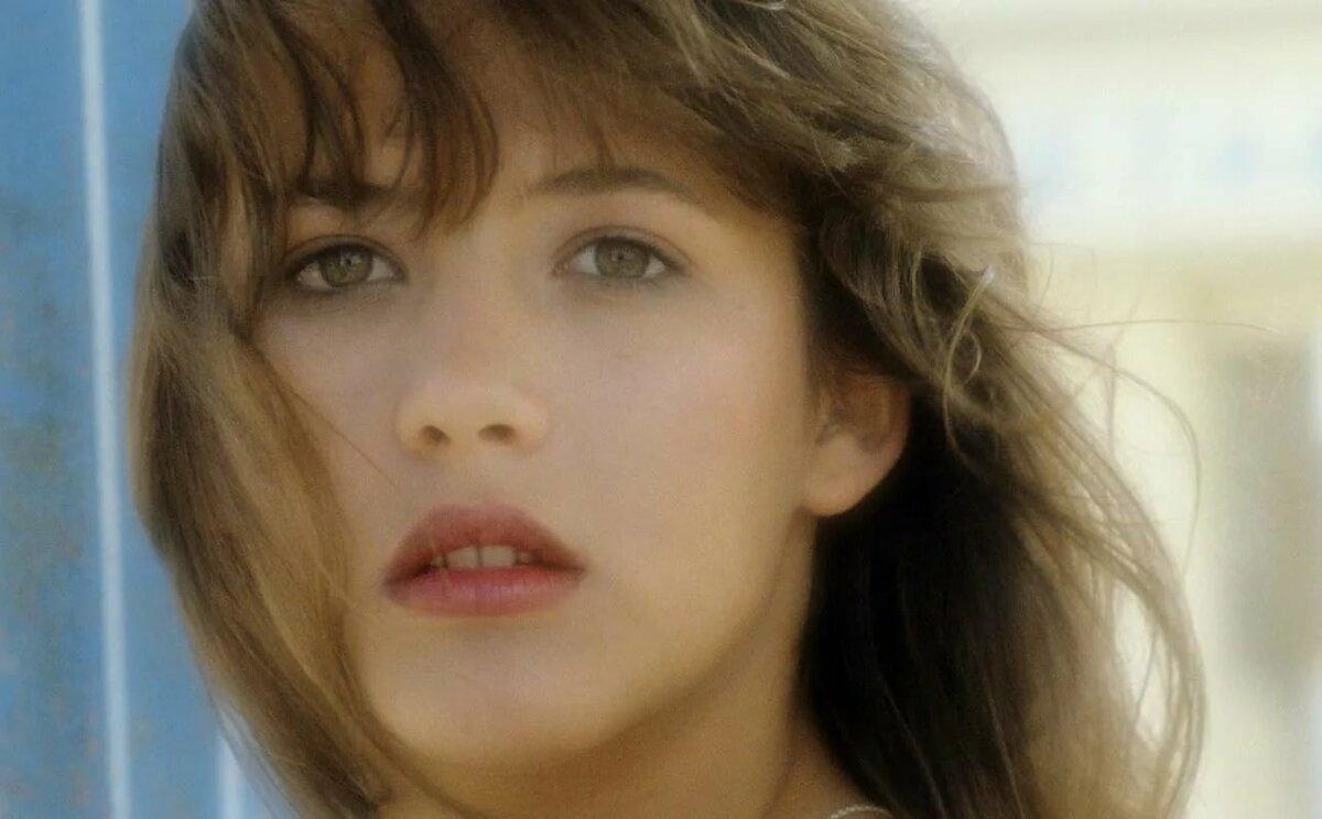 них французские актрисы молодые фото биография частенько сложно