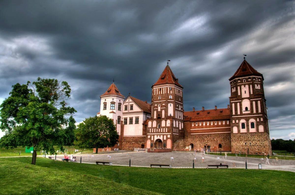 что картинки замки белоруссии оборудована, местный персонал