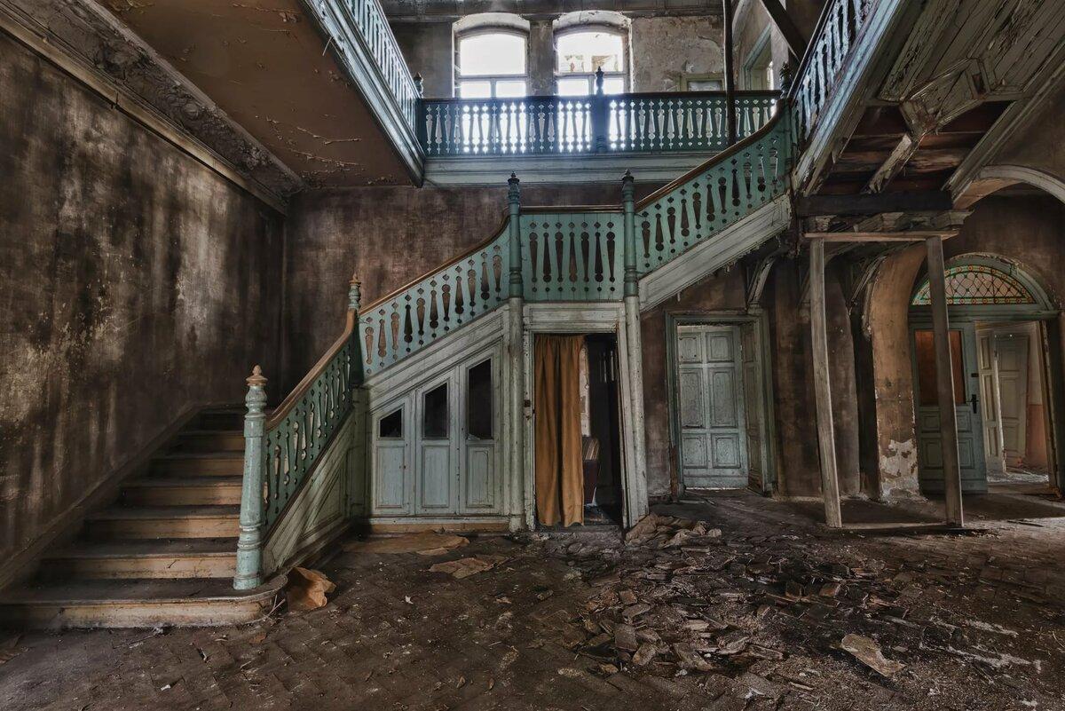 картинки заброшенных зданий внутри