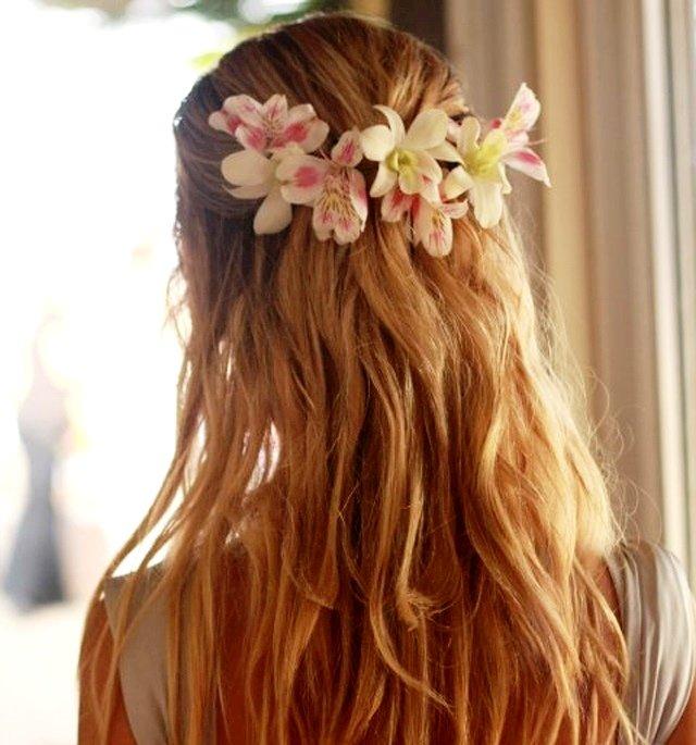 Фото красивых девушек цветами сзади — img 5