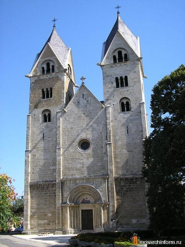 архитектура венгрии романском стиле