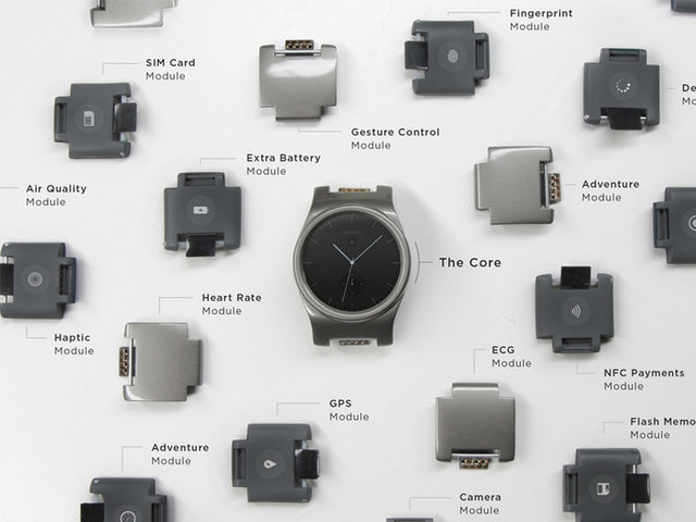 В уходящем году нас удивляли не только стартапы, создавшие пахучий будильник и блинный 3D-принтер, но и уважаемые IT-компании: Panasonic, например, изобрела робота-прачку, а Nike — самозашнуровывающиеся кроссовки. Об этих и других самых странных гаджетах 2015-го вспоминают Вести.Hi-tech.
