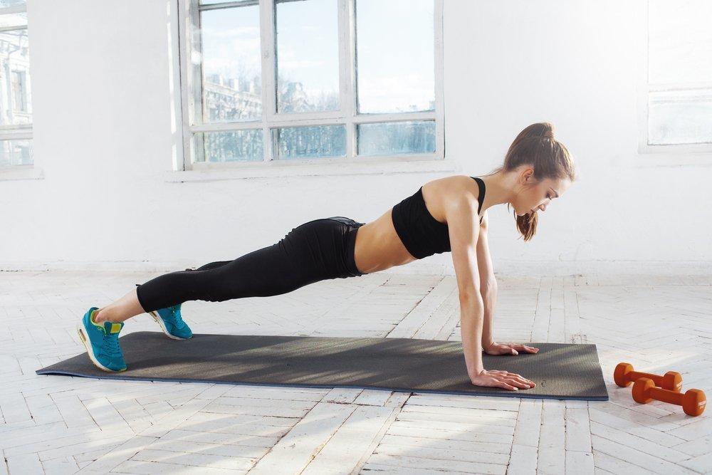 девушки делают упражнение онлайн раздеваясь, вроде слышал