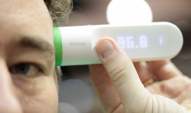 Withings Thermo, способный также измерять давление и разработанный специально для создания цифрового журнала лечения. Все измерения синхронизируются с ПО для смартфона, в котором также можно указать дозировку и время приёма лекарств, а потом всю собранную информацию отправить лечащему врачу.