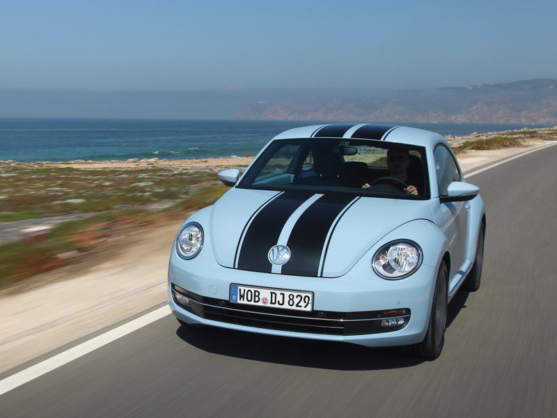 Volkswagen Beetle,  фото на скорости, вид спереди