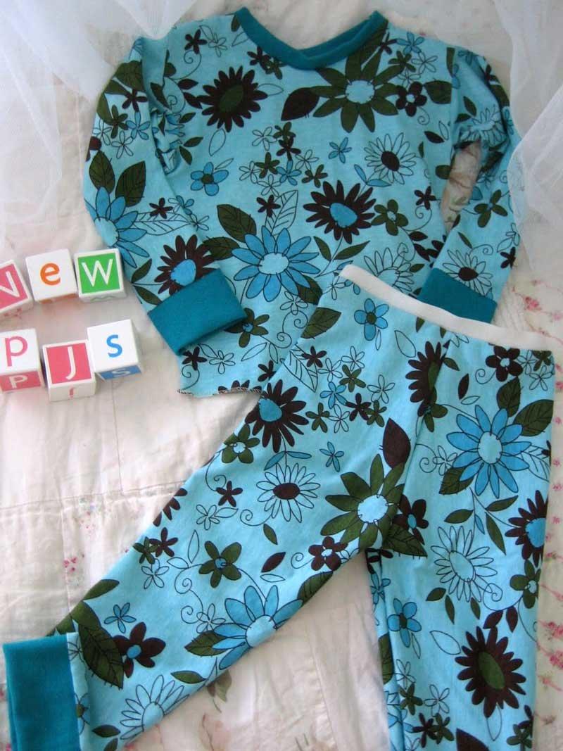 Выкройка детской пижамы - самый эффективный способ раскроя пижамы для ребенка. Мастер класс как сшить пижаму своими руками мальчику или девочке без выкройки!
