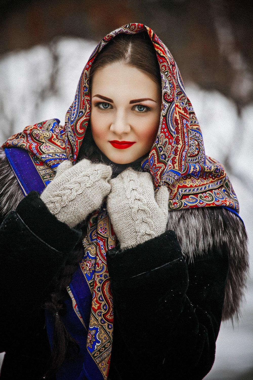 фото в русском платке зимой прямо сейчас
