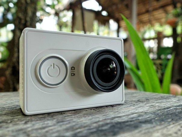 Экшн-камеры могут использоваться в разных корпусах. Один из самых популярных — это водонепроницаемый корпус.