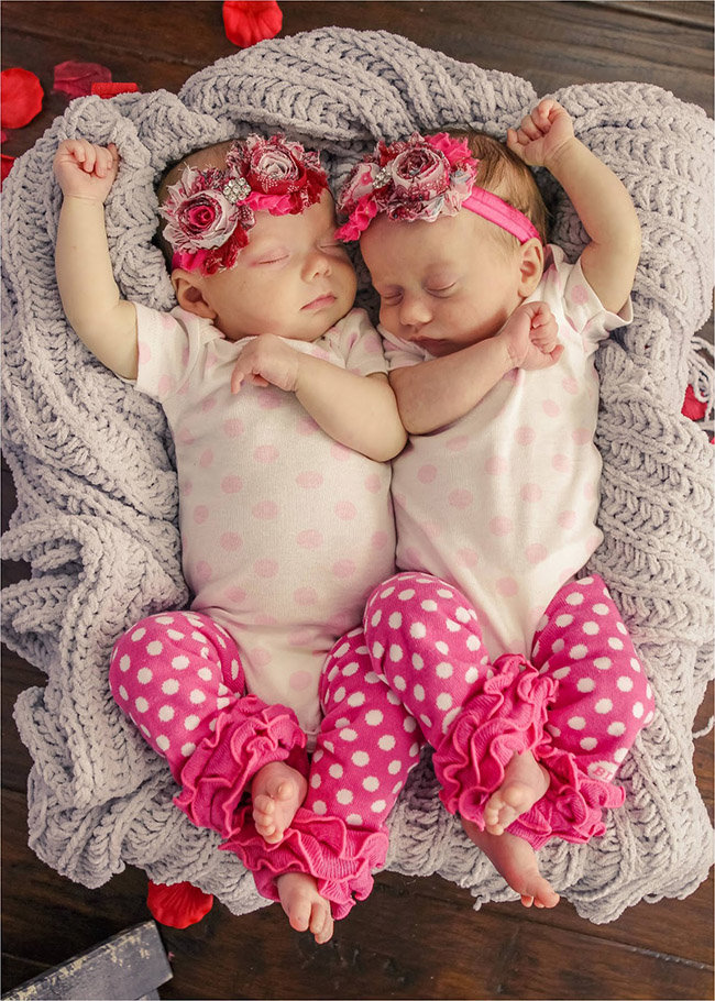 Сокращении, картинки двойняшек девочек новорожденных