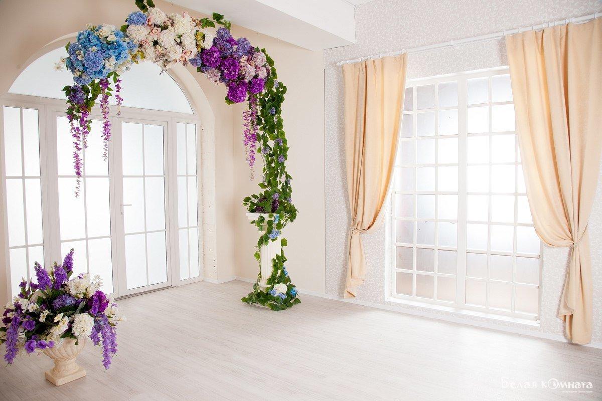 оформление цветами окна городских квартир фото мерлен это
