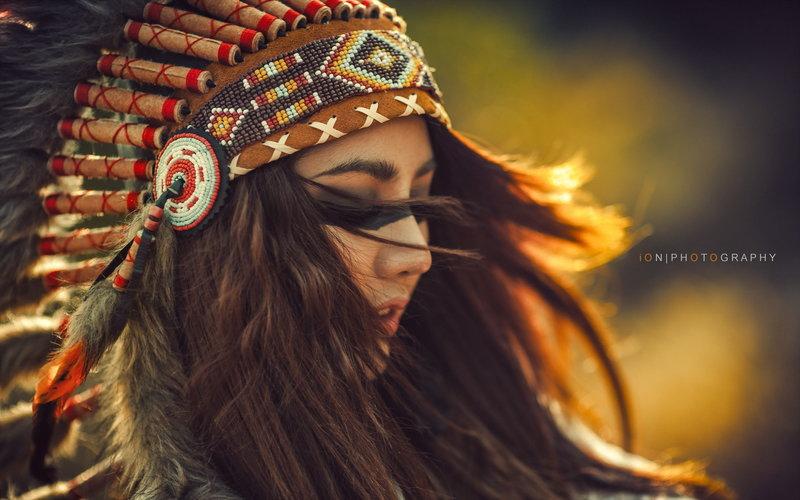 Девушки индейских племен