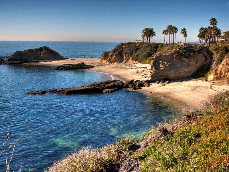 Пляж без пальм