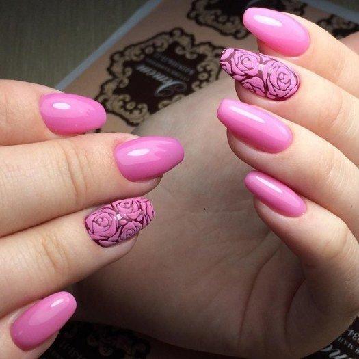 Идея розового маникюра с розочками (красивый цвет гель-лака, бархатный дизайн, цветы на ногтях)