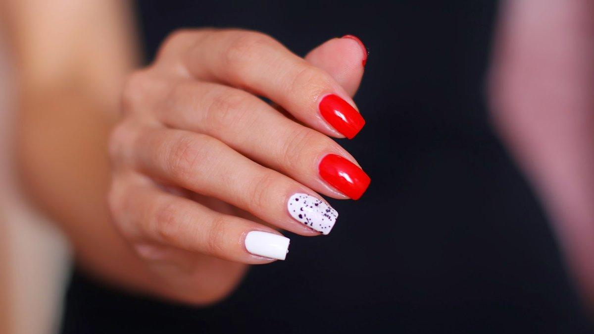 Невероятно красивый и аккуратный зимний дизайн ногтей.